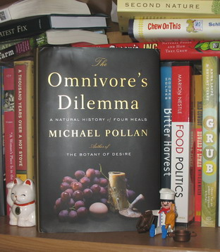 the omnivoreís dilemma essay Omnivores' dilemma rhetorical analysis in the omnivores' dilemma michael pollen's objective is address, educate and convince the reader by analyzing our diets he mentions we have become oblivious to what we are eating sometimes we wonder where our food comes from.